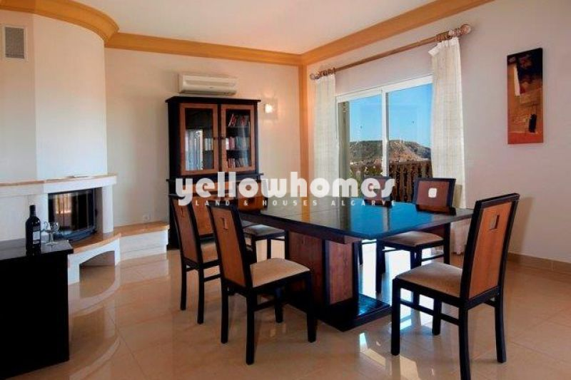 Elegant 5 bed Villa within walking distance to Praia da Luz and the sea