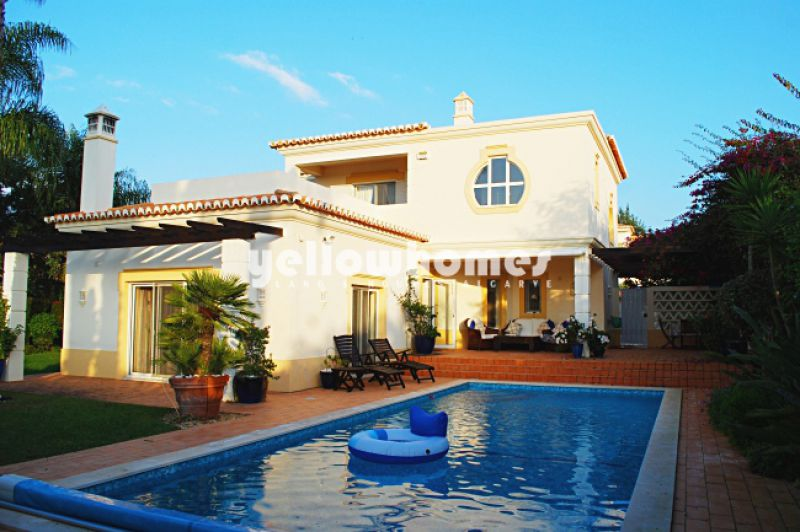 3-bed villa at s Golf Resort with amazing views to the Monchique mountains