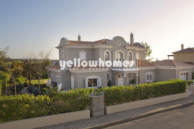 Luxury 4-bed villa at a Golf Resort near Carvoeiro