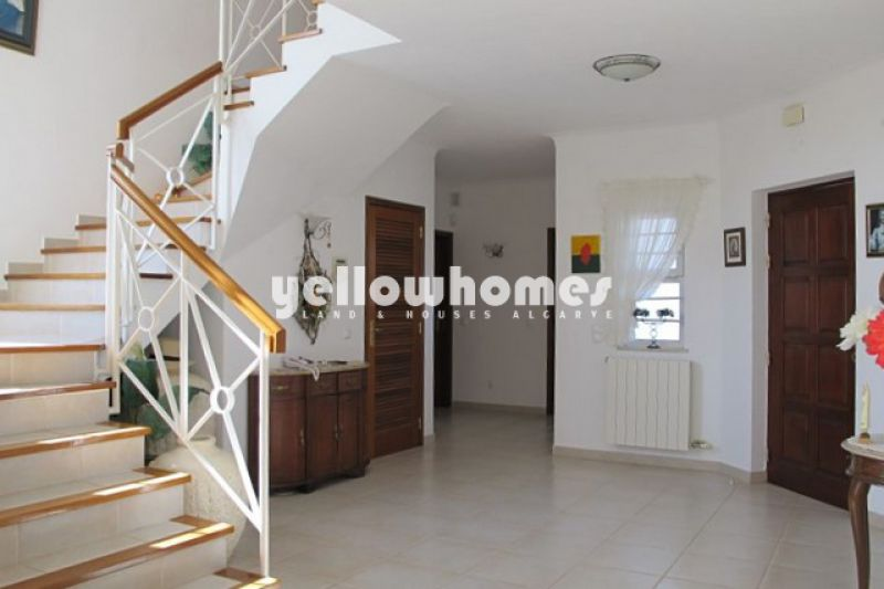 Detached 4-bed villa at a well known Golf Resort near Carvoeiro