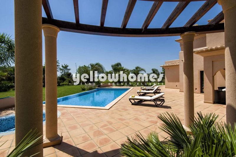High quality 5-bed villas on a renowned Golf Resort in the Westalgarve