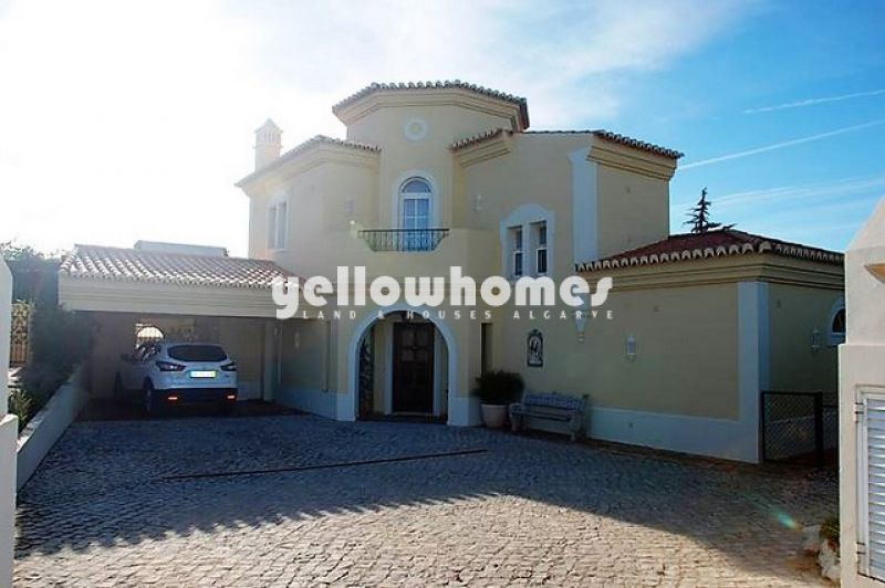 Detached 3 Bedroom Villa on Golf Resort near Carvoeiro