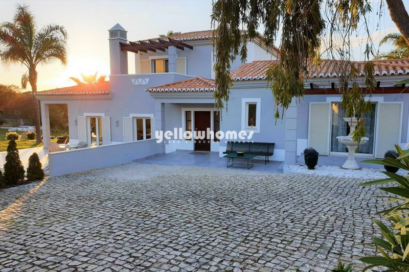 3 bed Villa with private pool at well-known golf resort in Carvoeiro