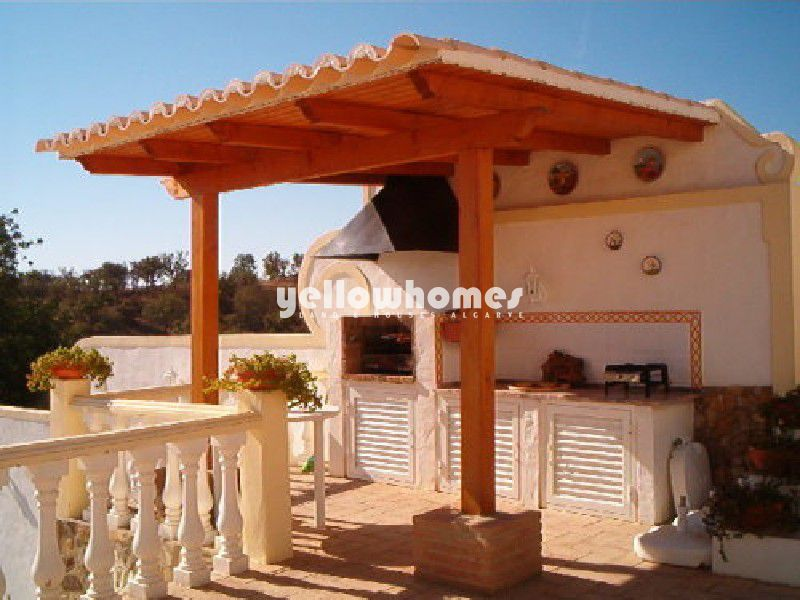 Beautiful Estate with many traditional Portuguese features