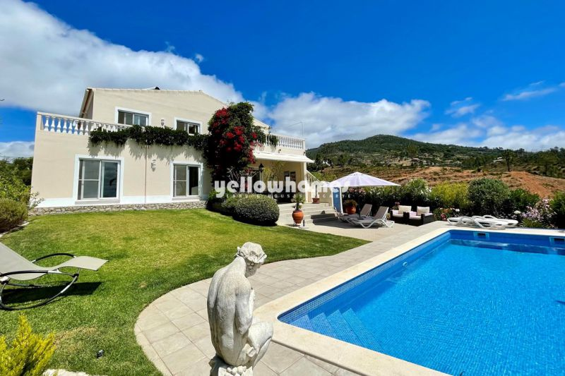 Maravilhosa moradia isolada com piscina e vistas panorâmicas perto de Monchique