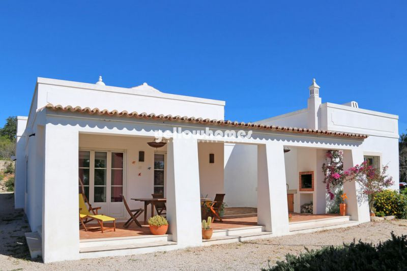 Excellent price: Beautifully kept 4 bedroom villa near Loule