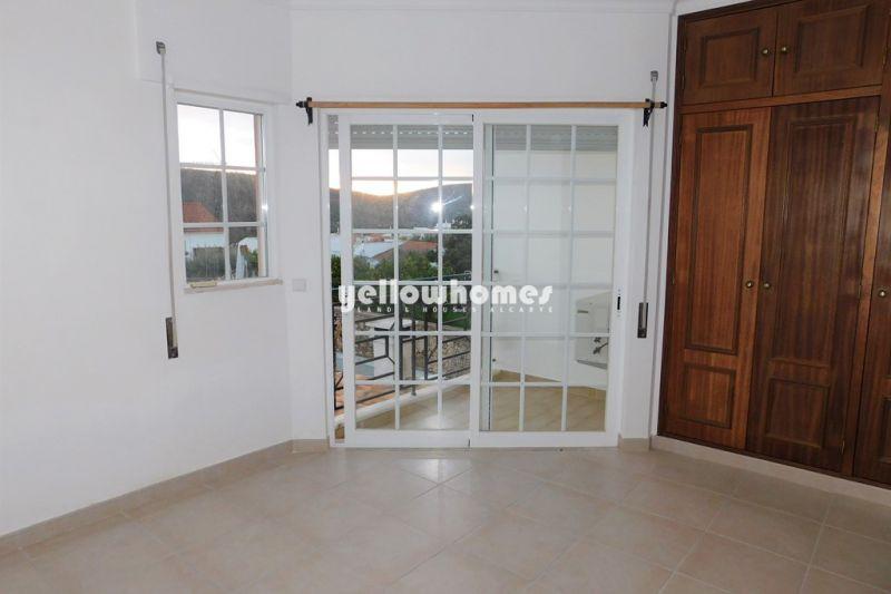 Moradia em banda bem conservada com 2 quartos situada em Salir
