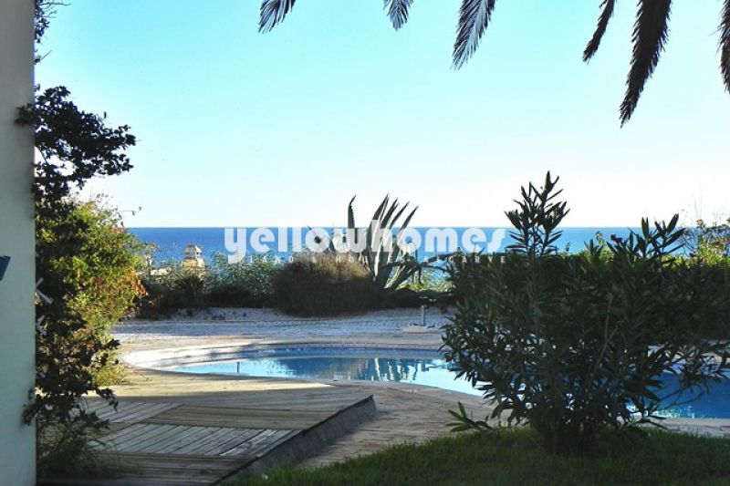 Opportunity: Villa for sale with stunning views of the Atlantic Ocean in Albufeira