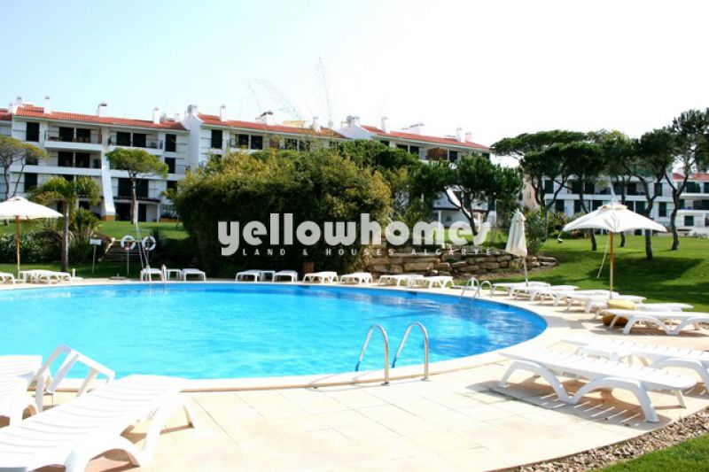 Spacious 2-bed apartment in Vilamoura for sale