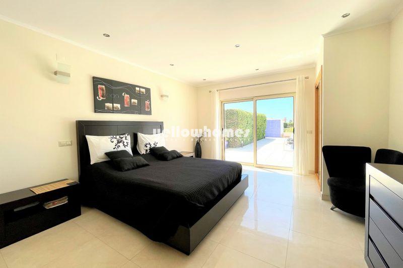 Modern 5 bedroom villa located in Salgados