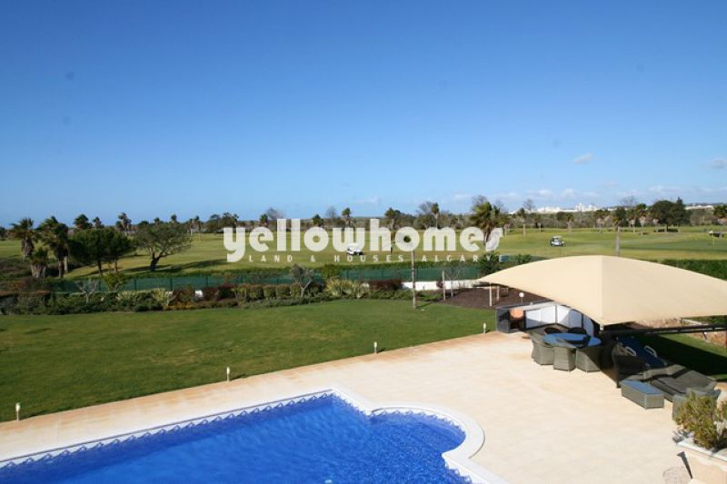 Modern 5 bedroom villa located in Salgados