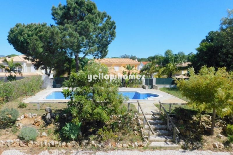 Villa with 3 bedrooms and pool near Vila Sol and Quarteira