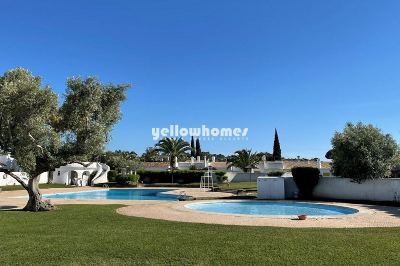 Appealing 2-bed  townhouse with garden access in a gated resort in Vilamoura