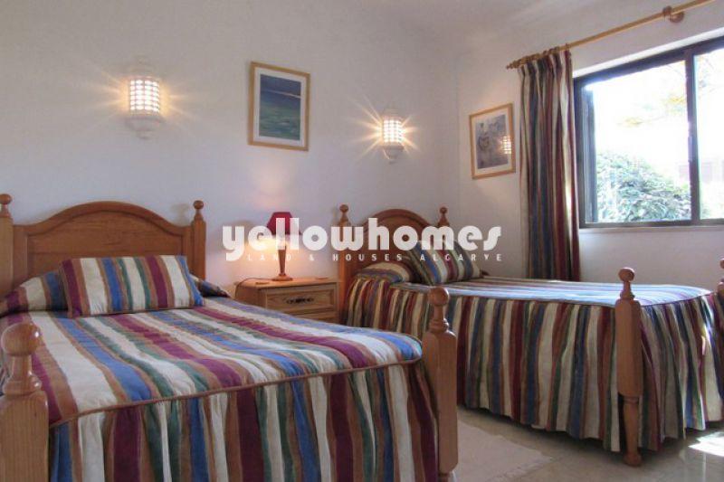 Tasteful, four-bedroom villa in a peaceful and prestigious area close to Carvoeiro