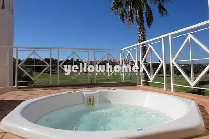 Modern and attractive 3-bed villa on a prestigious golf resort near Carvoeiro