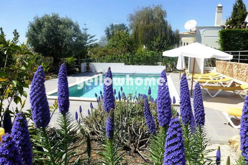 Beautifully appointed three bedroom villa on the outskirts of Carvoeiro