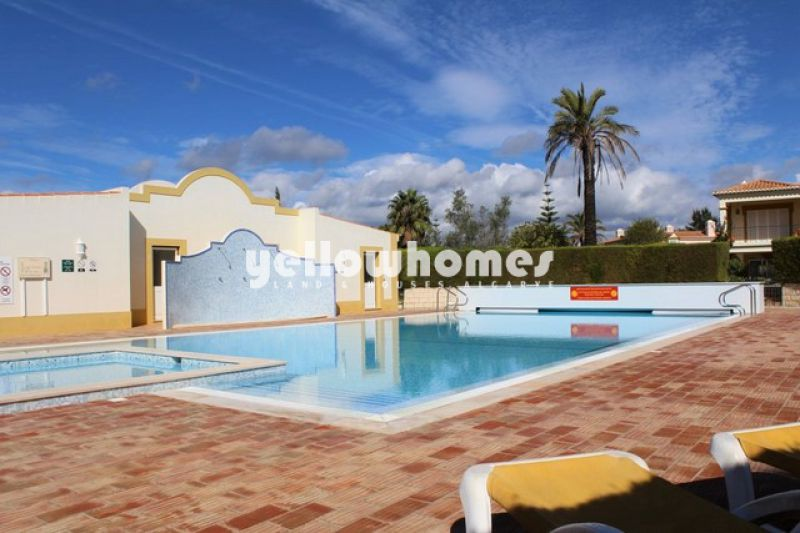 Beautifully appointed two bedroom apartment near Carvoeiro