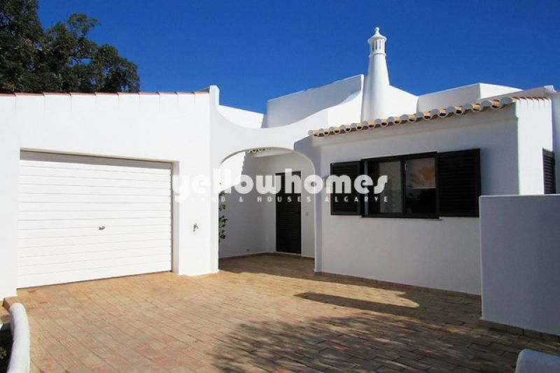 Bright and sunny two bedroom villa with pool
