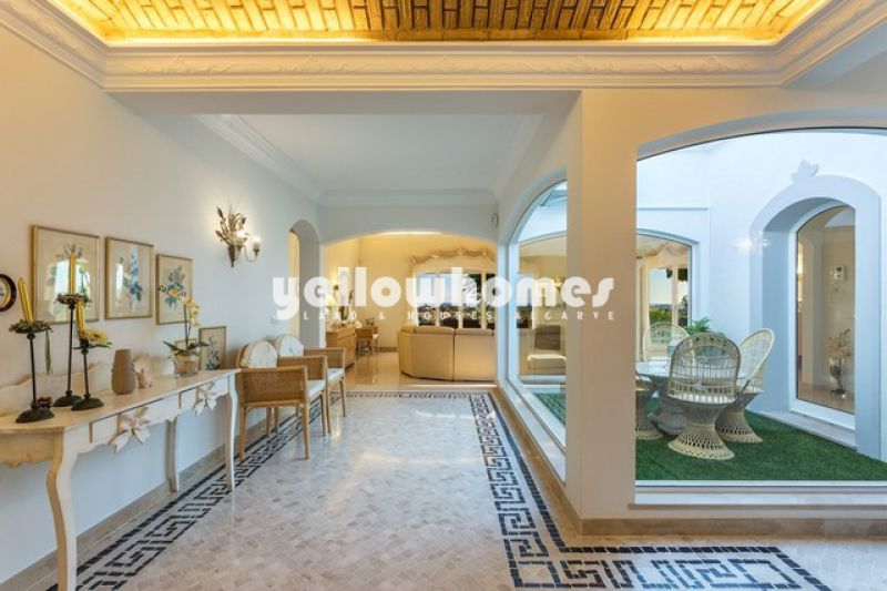 Beautiful single level 4 bedroom villa with sea views, Exclusive Listing