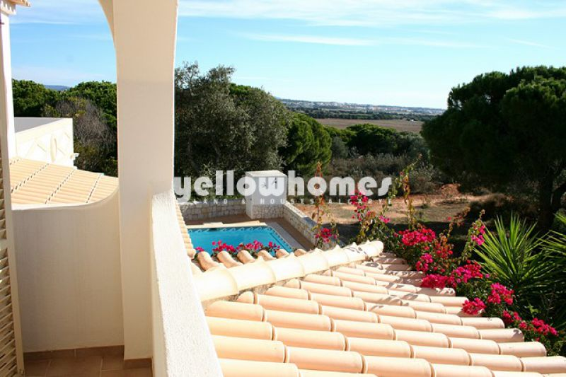 3-bedroom villa close to Falésia beach