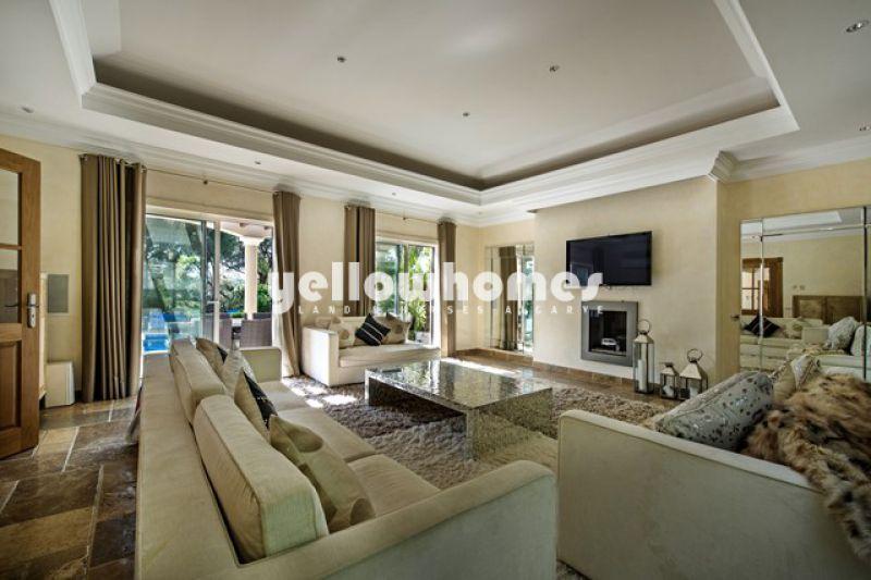 Stylish Villa with beatiful mature gardens