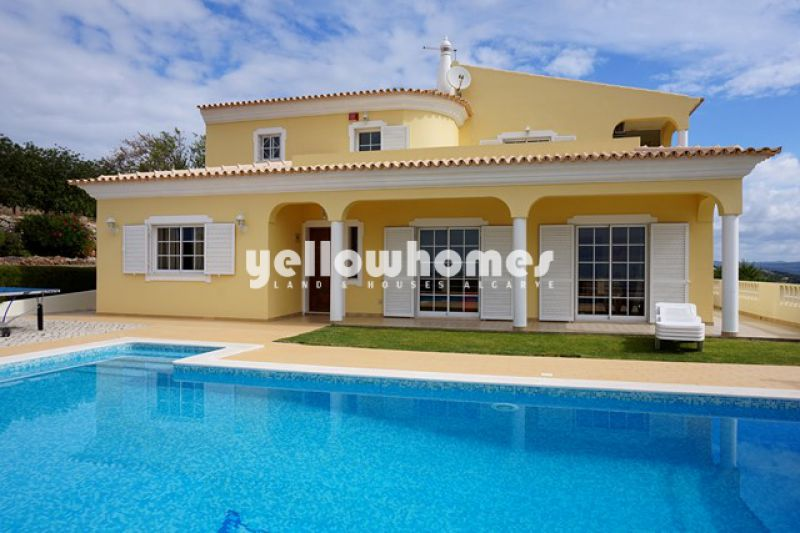 4-bedroom Villa with panoramic sea-/mountain views near Loule for sale