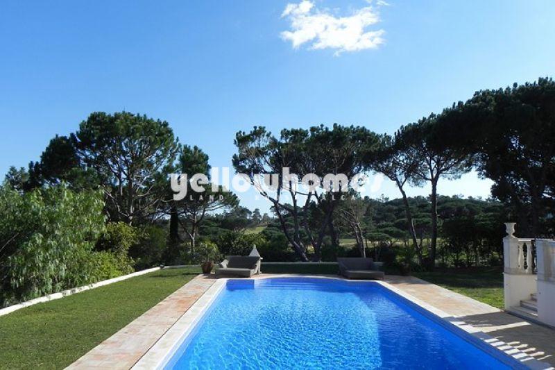 Immense villa near golf course in Quinta do Lago