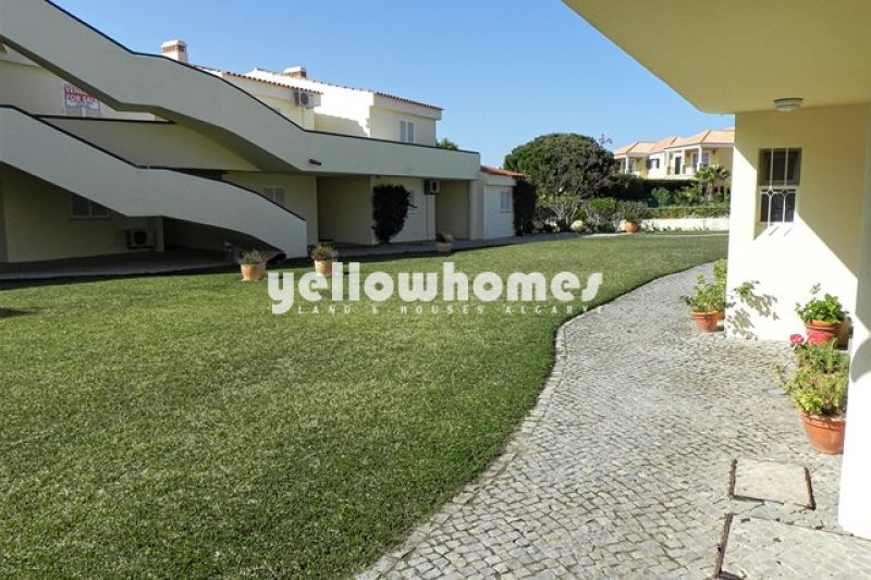 Well kept 2-bed apartment in Vale do Lobo