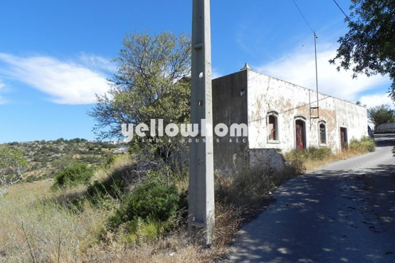 Plot with sea views located in a quiet countryside area close to Loule