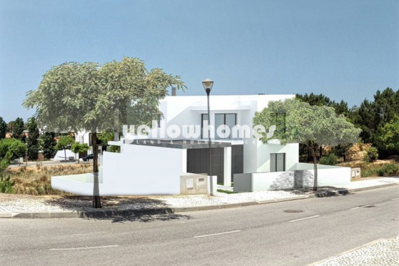 Contemporary, attached 4-bed villa for sale close to the beach & amenities