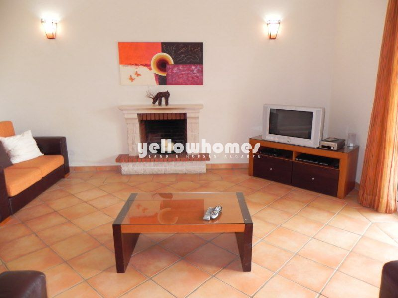 Attractive 3 bed Villa for sale near Boliqueime with pool and sea views