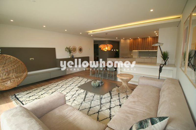 Modern 3-bed penthouse apartment for sale near beaches and Quarteira