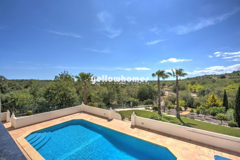Vilamoura villa (4+1 beds) country and sea views