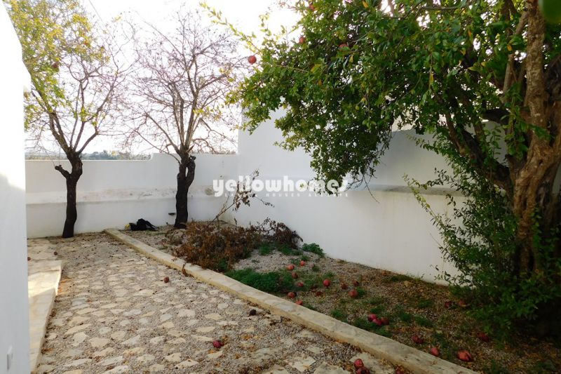 Modern, fully renovated 1 bedroom cottage with sea views near Boliqueime