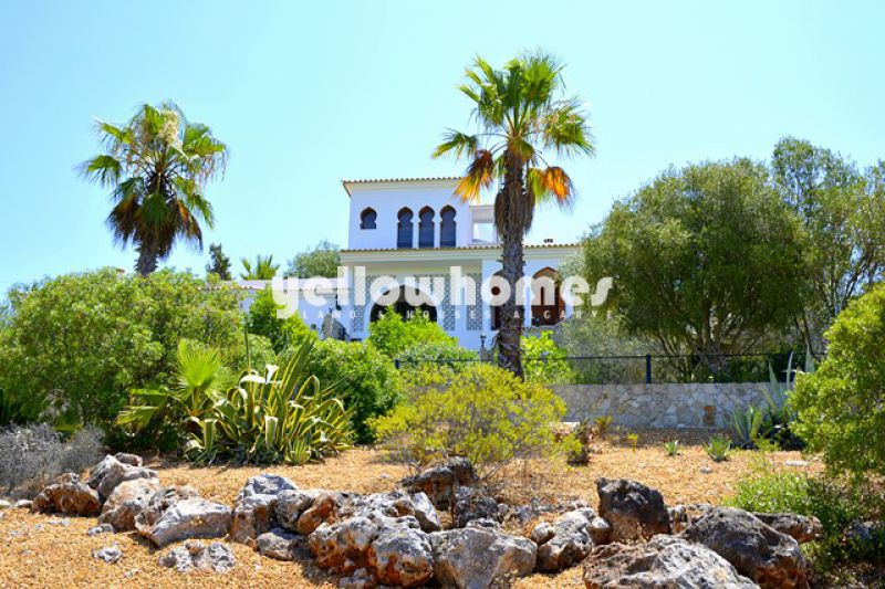 Private 5 bedroom villa with amazing sea and country views