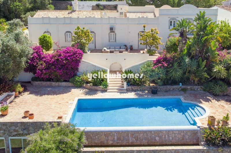 Traditional Portuguese Quinta with great country and sea views on a large plot