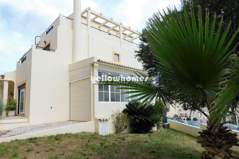 Cosy semi-detached villa with small garden in Faro near the Ria Formosa