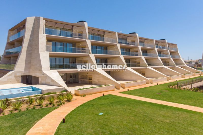 Modern, new built Penthouse with fantastic sea and golf views in Vilamoura