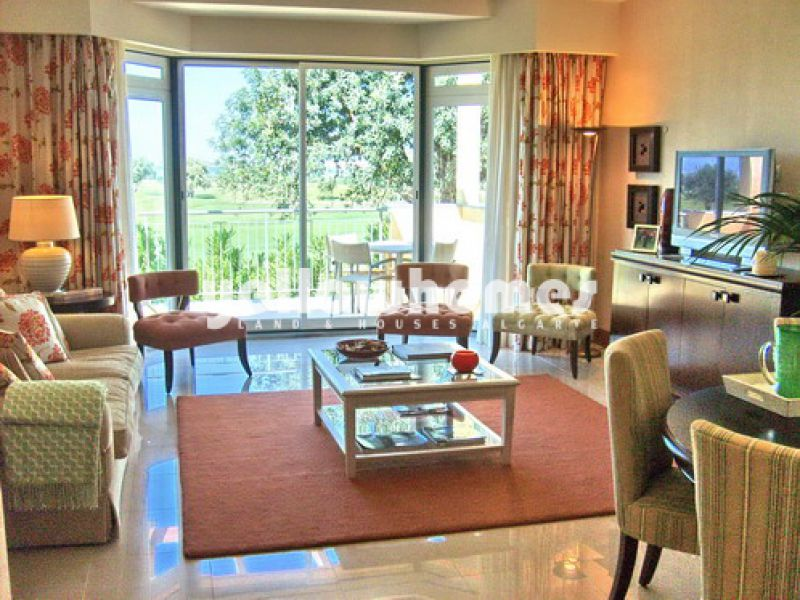 Superb 2-bed penthouse overlooking the golf course in Vilamoura