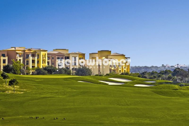 Unique luxury 3-bed apartments overlooking the golf course