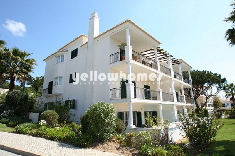Spacious 3 bedroom apartment with plunge pool in Vale do Lobo