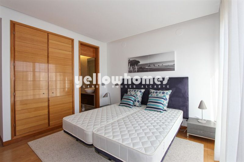 Spacious T2 apartment with private swimming pool