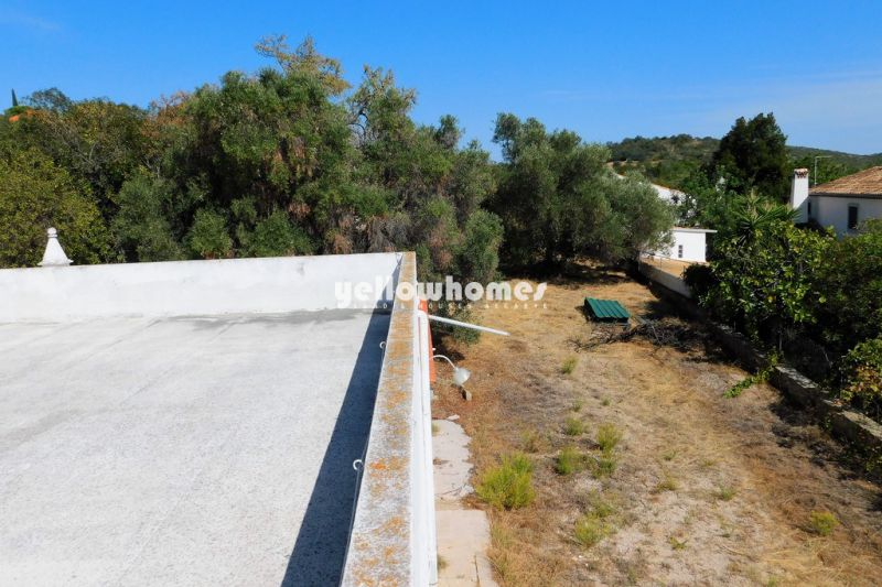 Terreno urbano com grande potencial e esplêndidas vistas para o mar perto de Santa Barbara