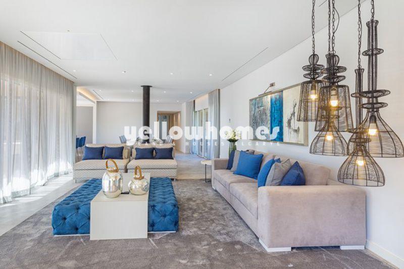 Recém-construído apartamento T3 num condomínio de luxo a um passo da praia