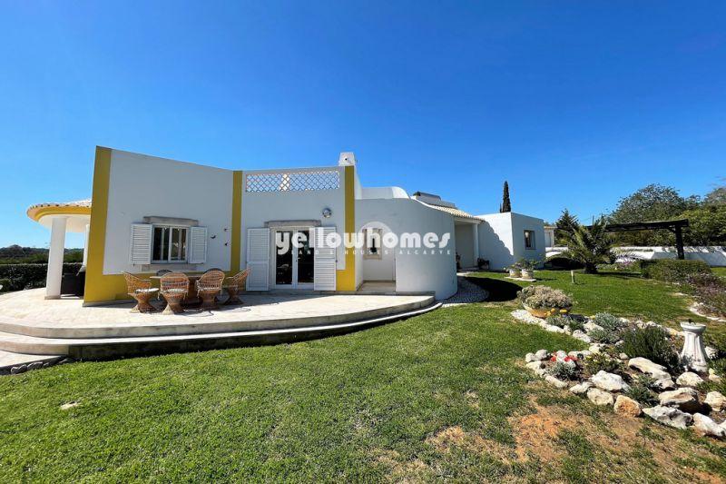 Beautiful single storey villa in well-established development near Albufeira