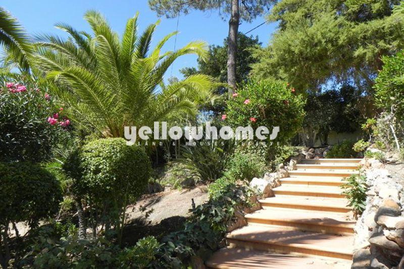 4 bedroom villa with pool in an idyllic spot near Vilamoura