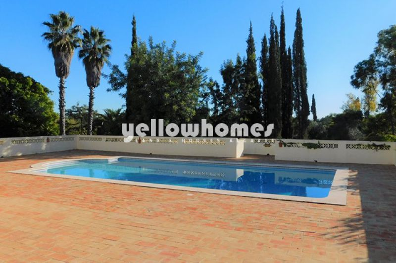 Spacious 3-bed Villa set on a large, private plot with pool and tennis court